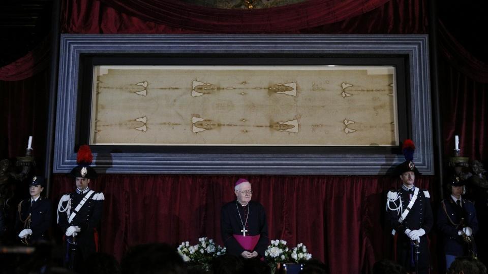 聖週六:現場直播都靈耶穌聖殮布,一同靜默祈禱