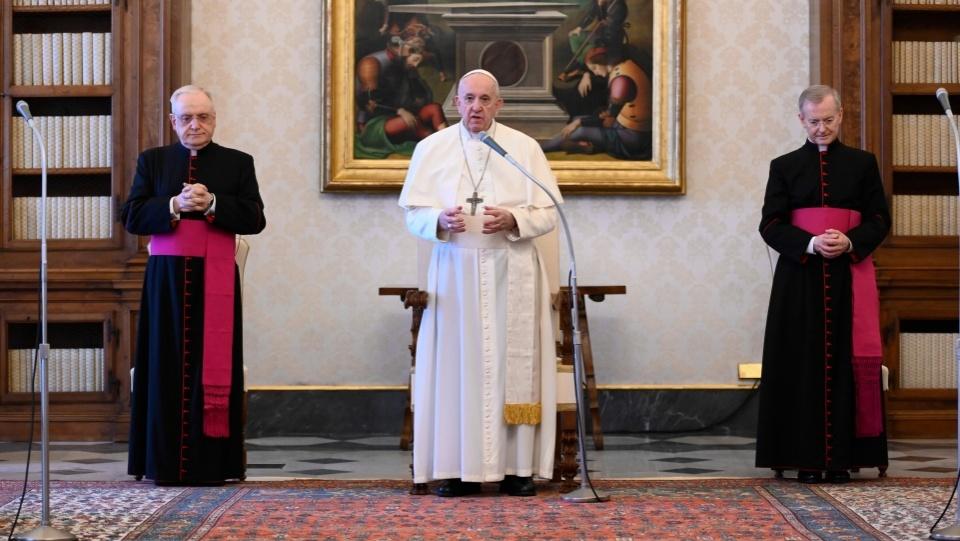 教宗公開接見:若在祈禱中把生活託付於主,我們永不孤立無援