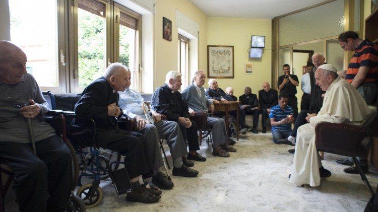 教宗致函年長及患病司鐸,感謝他們對天主和教會忠貞不渝的愛的見證