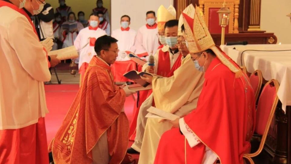 天主教青島教區舉行陳天浩主教祝聖典禮