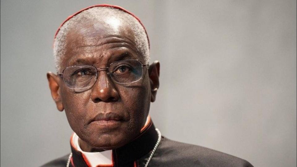 教宗方濟各接受禮儀及聖事部部長薩拉樞機的辭呈