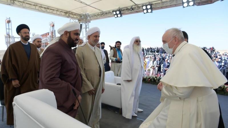 教宗方濟各在亞巴郎的家鄉與三大一神宗教代表會晤
