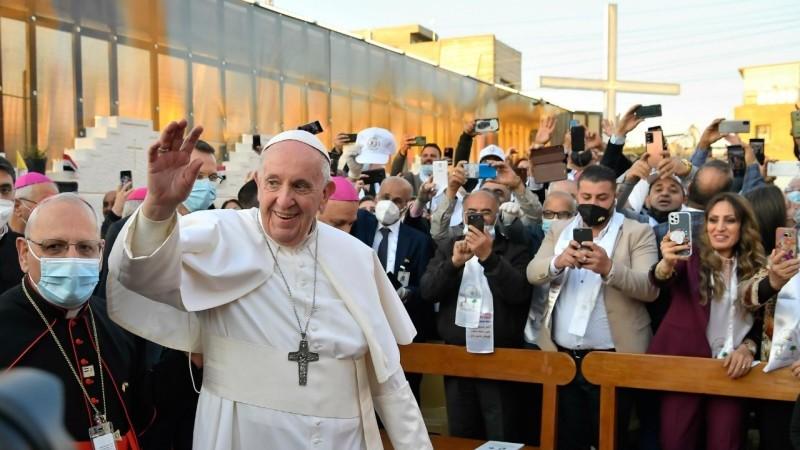 教宗方濟各在巴格達大聖若瑟主教座堂裡主持彌撒