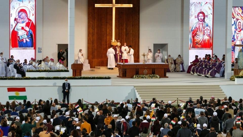 教宗在伊拉克北部埃爾比勒城的體育場主持彌撒
