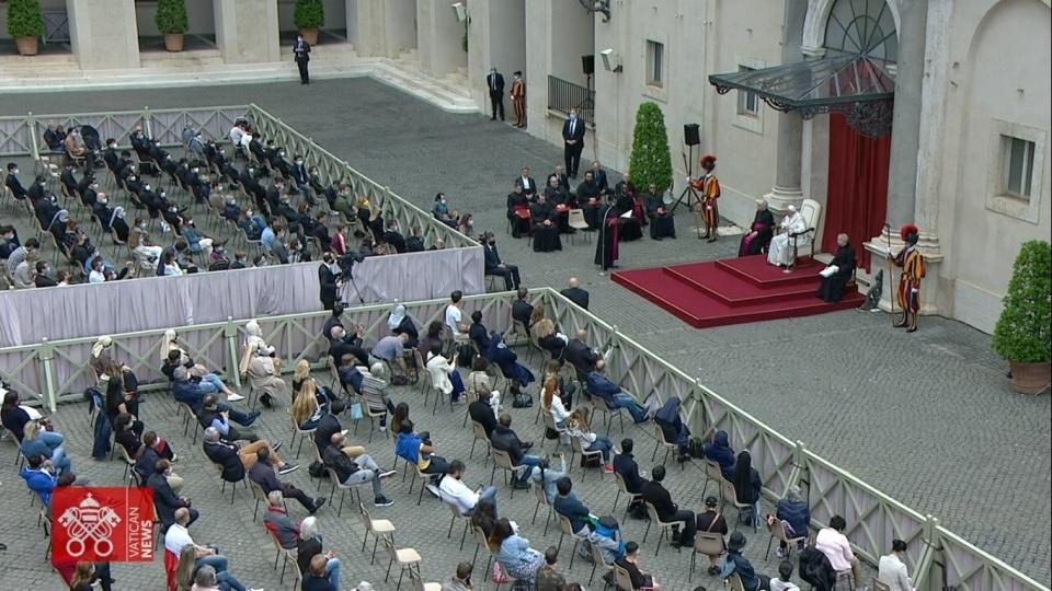 教宗公開接見:謝謝你們親臨現場,請你們把教宗的訊息帶給眾人!