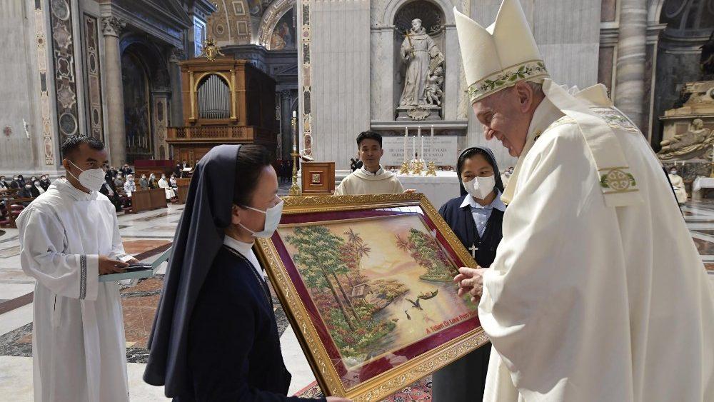教宗勉勵緬甸信友:即使冒著生命危險,也要為福音做見證