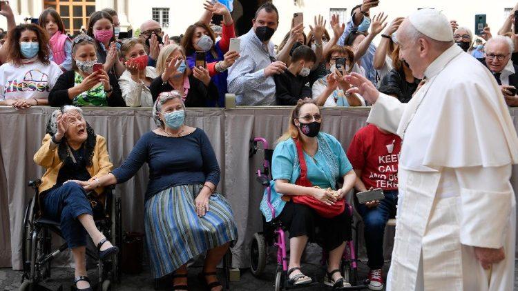 教宗公開接見:耶穌的祈禱幫助我們羞澀卑微的祈禱升到天庭