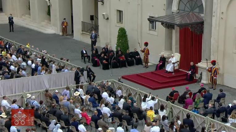 教宗公開接見:傳播福音要求我們行走在不曾預料的道路中