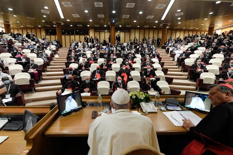 教宗主持「世界主教代表會議反省的時刻」:衆人參與,讓聖神成為主角