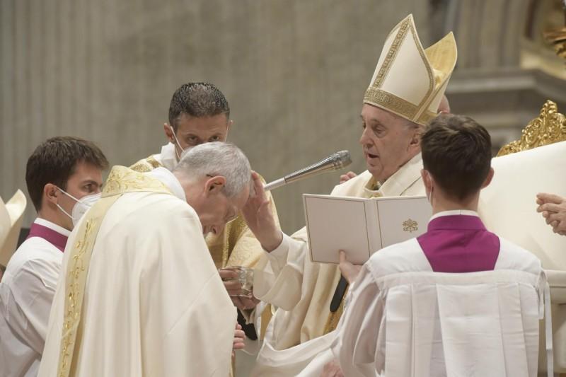 教宗主持主教晉牧典禮:主教蒙召度服務的生活